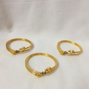 Whimsical Sunning Gold Bangle (2 pieces)